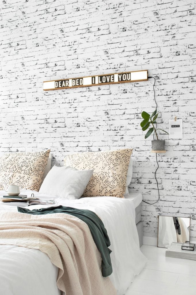 Brickwall lightbox Tanja van Hoogdalem