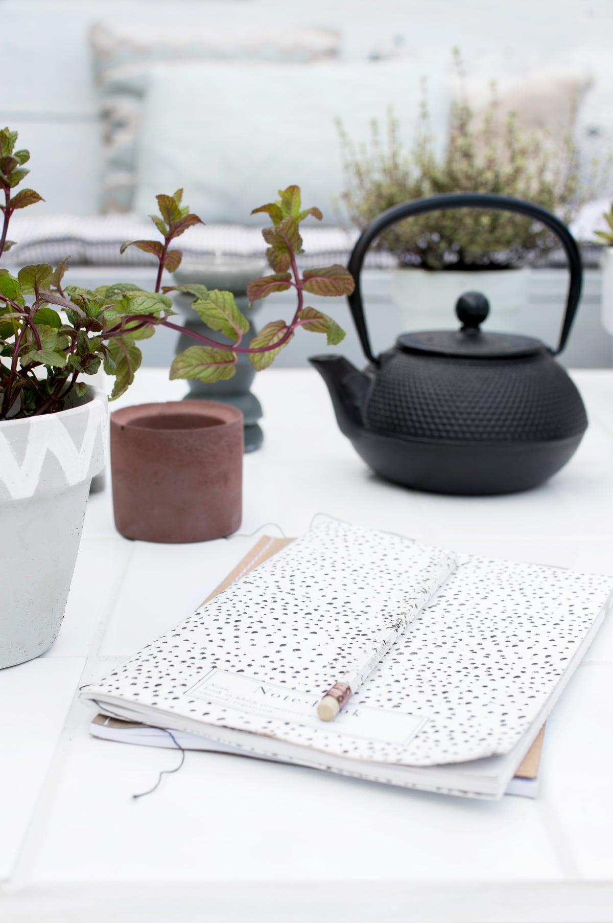 DIY tuintafel recycle - Tanja van Hoogdalem