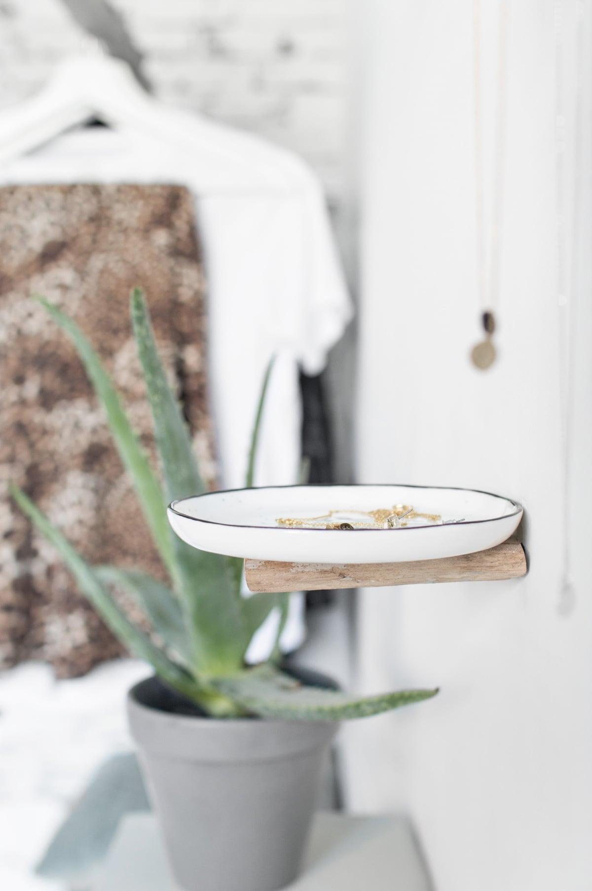 DIY sieraden opbergen wandplank - Tanja van Hoogdalem