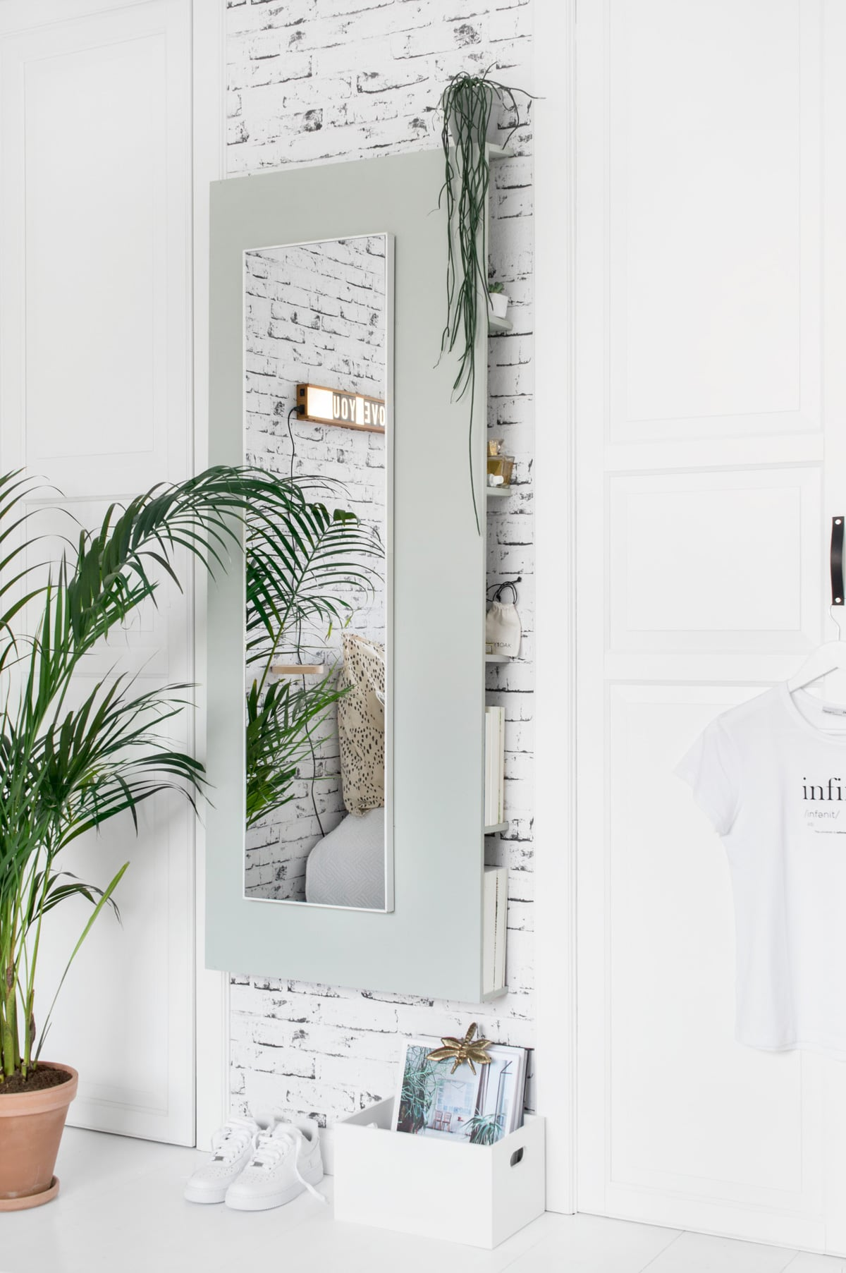 Een opgeruimd huis met de household lijn van hkliving for Spiegel 05 2018