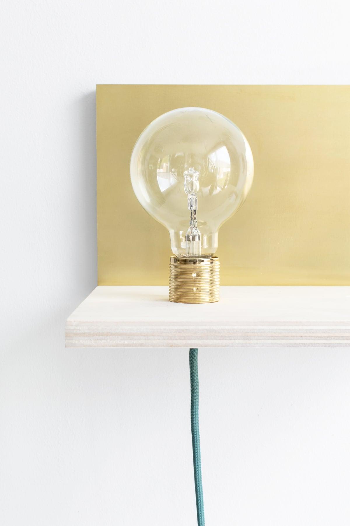 Wandplank Met Lampje.Diy Maak Je Eigen Zwevende Wandplank Met Lamp En Plantje Tanja