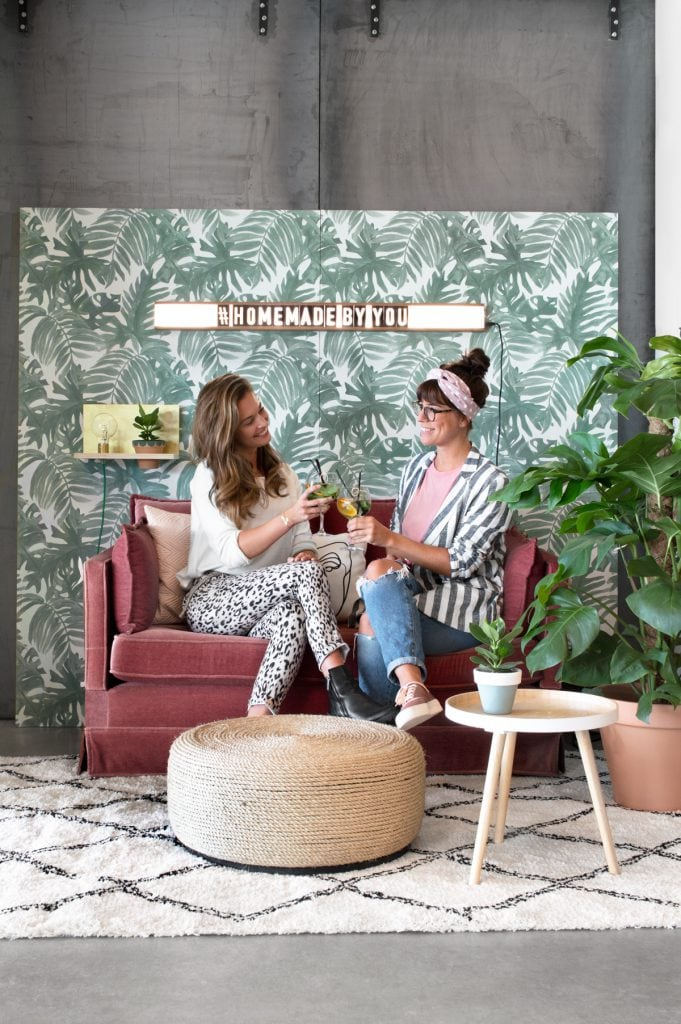 Bosch photobooth roze bank - Tanja van Hoogdalem