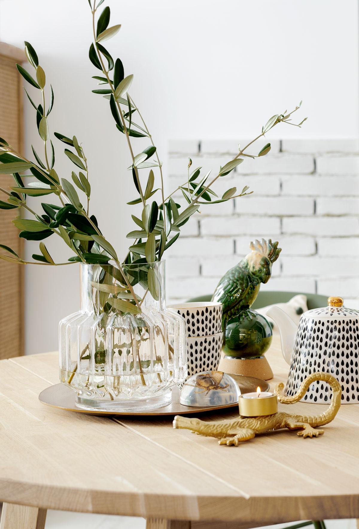 KARWEI huis styling eettafel - Tanja van Hoogdalem