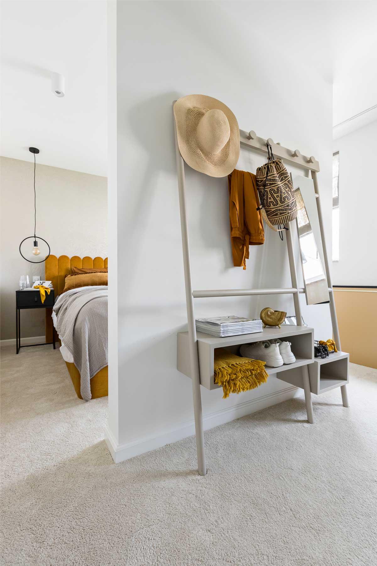 Eigen Huis en Tuin slaapkamer kledingrek - Tanja van Hoogdalem
