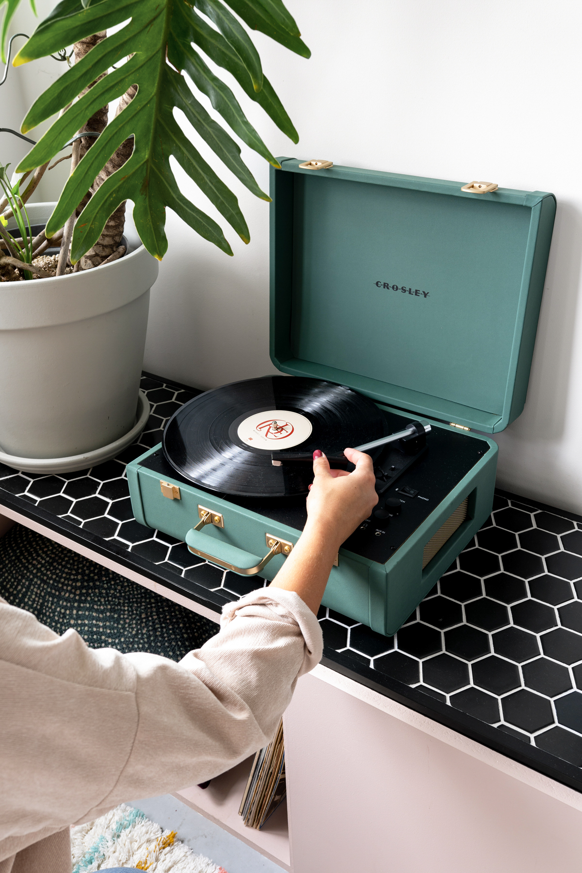 Crosley record player - Tanja van Hoogdalem