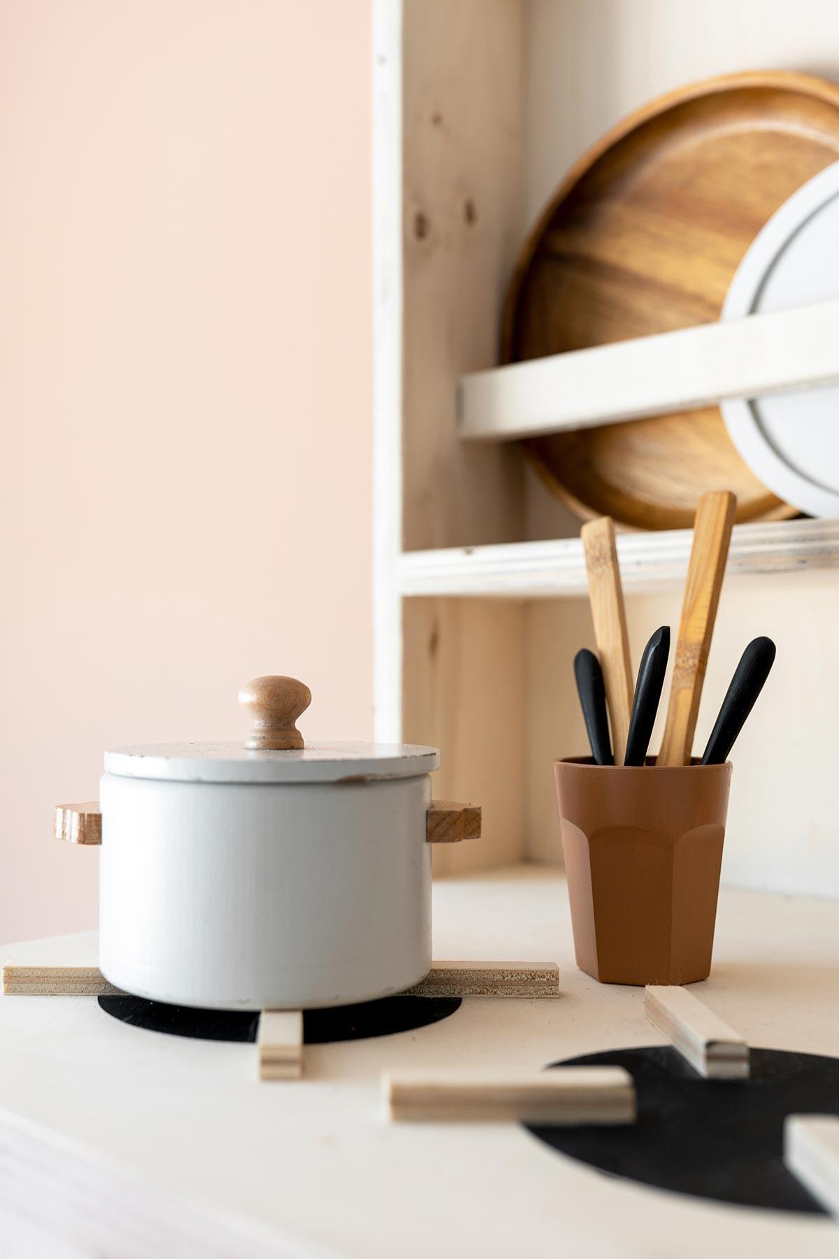 DIY speelgoedkeukentje hout - Tanja van Hoogdalem
