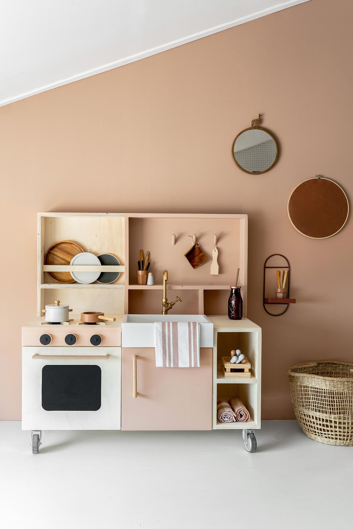 DIY speelkeukentje hout - Tanja van Hoogdalem