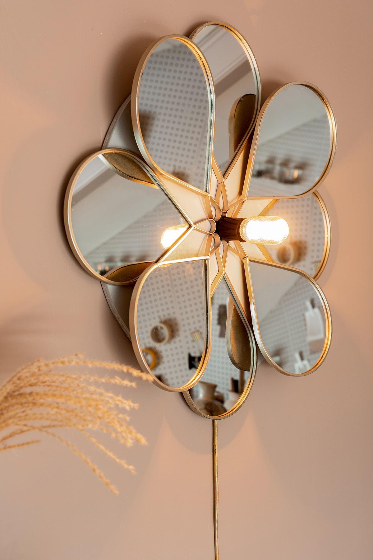 DIY wandlamp bloem spiegel - Tanja van Hoogdalem