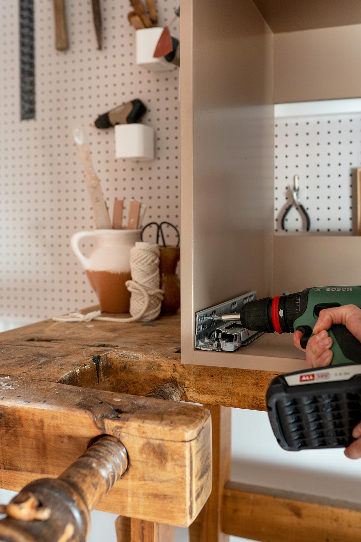 Bosch stappenplan badkamermeubel - Tanja van Hoogdalem