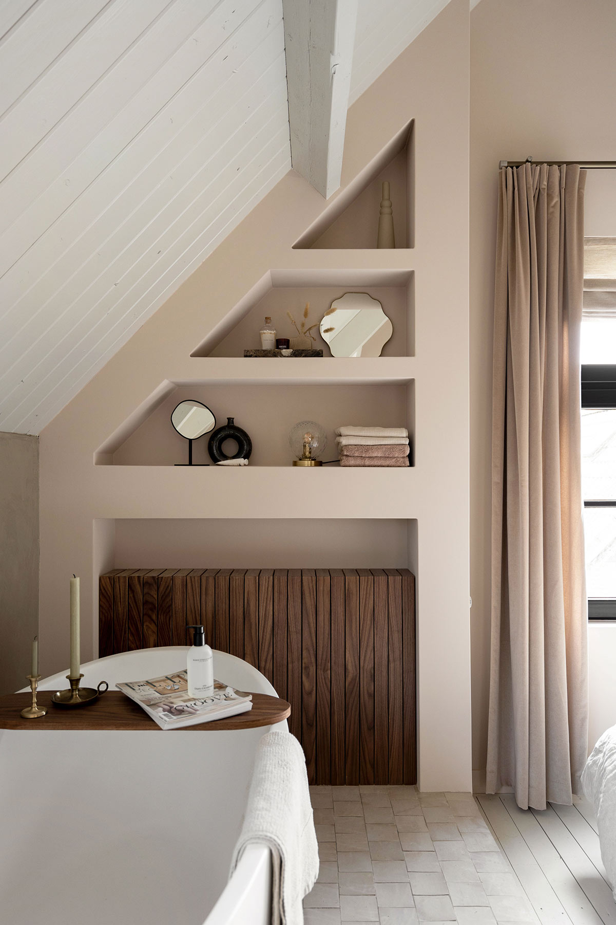 DIY badkamerkast en radiatorombouw - Tanja van Hoogdalem
