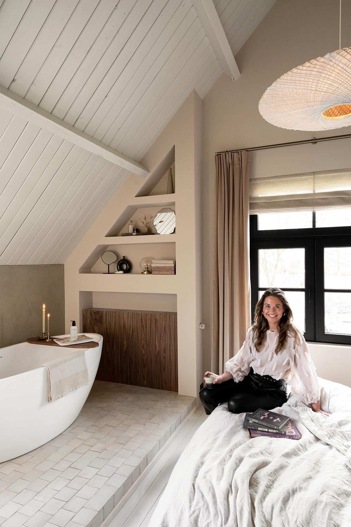 DIY wandkast en radiatorombouw badkamer - Tanja van Hoogdalem