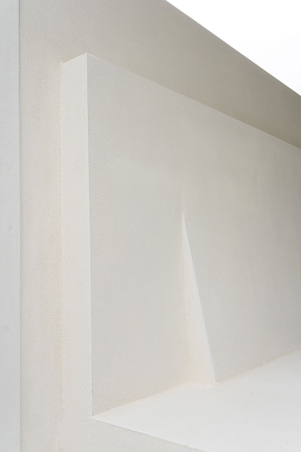 Schuine rugleuning loungebank - Tanja van Hoogdalem