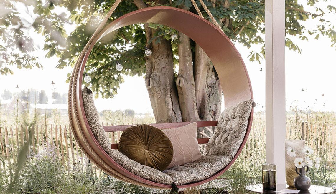 DIY ronde hangstoel op de veranda